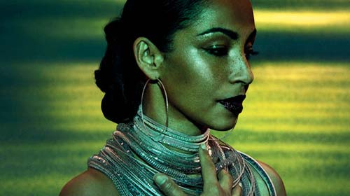 Sade : The Ultimate Collection, album best of le 30 mai