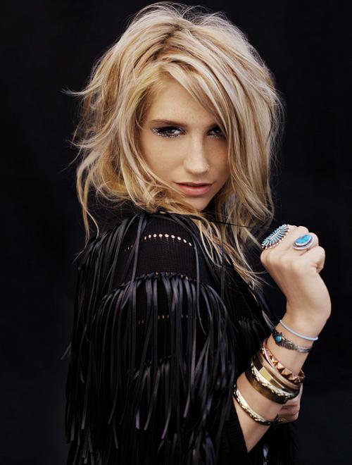 Ke$ha : le nouvel album 2012 montrera sa vulnérabilité