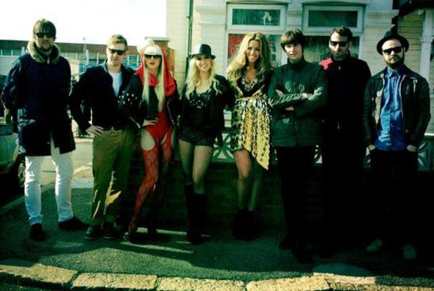 Beyonce, Lady Gaga et Britney Spears dans le clip des Kaiser Chiefs