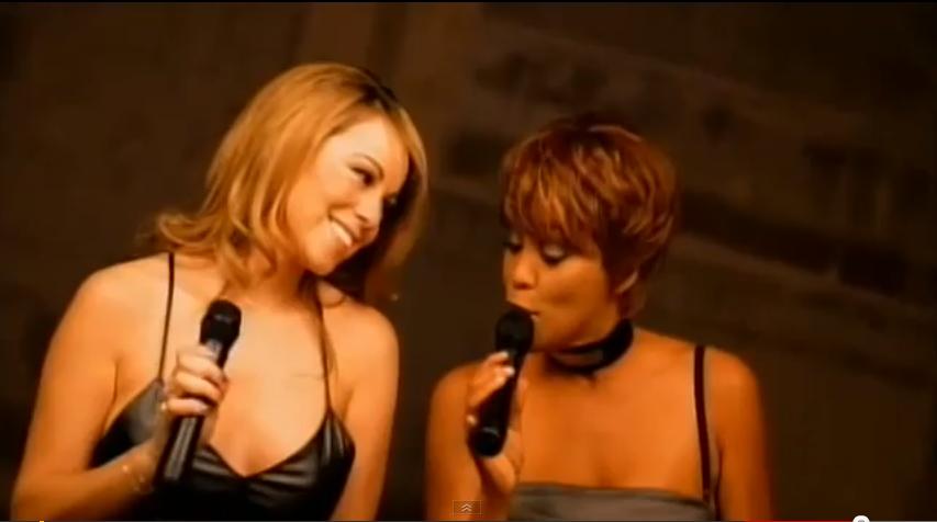 Mariah Carey rend hommage à Whitney Houston en vidéo