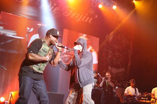Eminem rejoint 50 Cent sur scène pour 4 morceaux (vidéos)