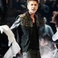 Justin Bieber vient d'avoir son bac (+ vidéo The Voice)