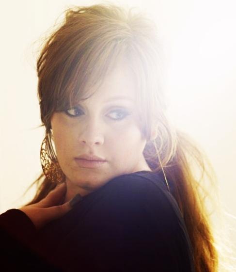 Adele : réédition de l'album 21 avec des inédits pour Noël