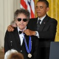 Bob Dylan décoré de la médaille de la liberté par Obama