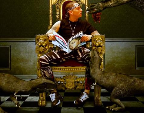 Eminem se moque du luxe des rappeurs dans le clip My Life de Slaughterhouse