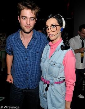 Katy Perry et Robert Pattinson : un dîner en tête à tête