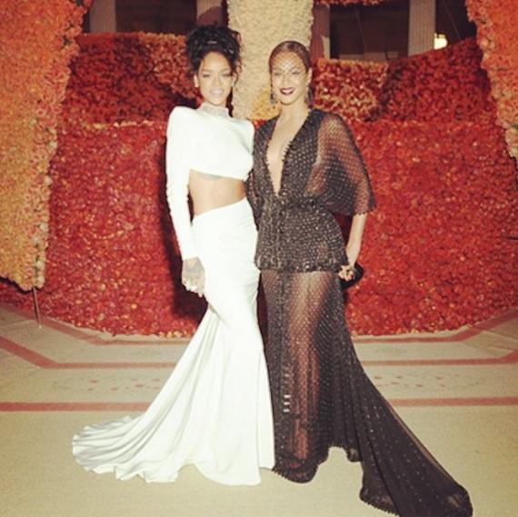 Rihanna serait la raison de la dispute entre Jay-Z et Solange