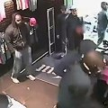 Rohff : la vidéo violente de son agression dans une boutique Unküt de Booba