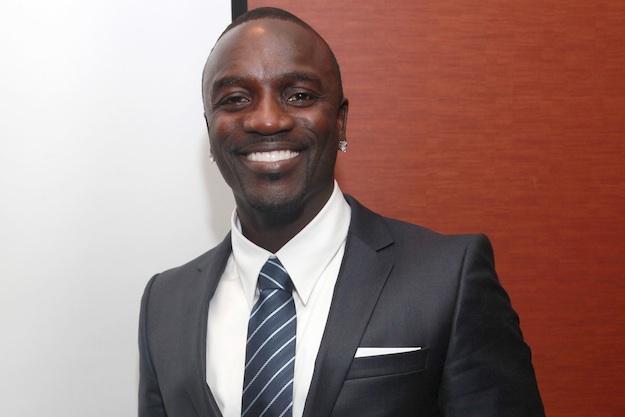 Akon ne regrette pas de ne pas avoir signé Drake sur son label