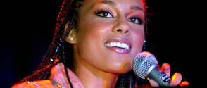 Alicia Keys veut collaborer avec des groupes rock
