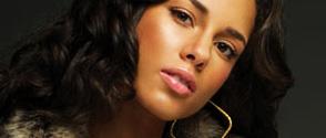 Alicia Keys revient en tête des Charts US