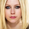 Avril Lavigne chantera Girlfriend en français