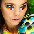 Björk présente son coffret Voltaic