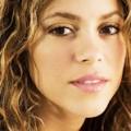 Shakira s'entoure de Pharrell et Wyclef Jean