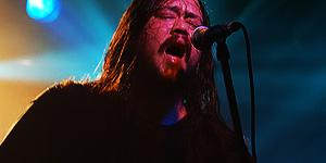 Korn, Slipknot et Sevendust à l'aide de Chi Cheng